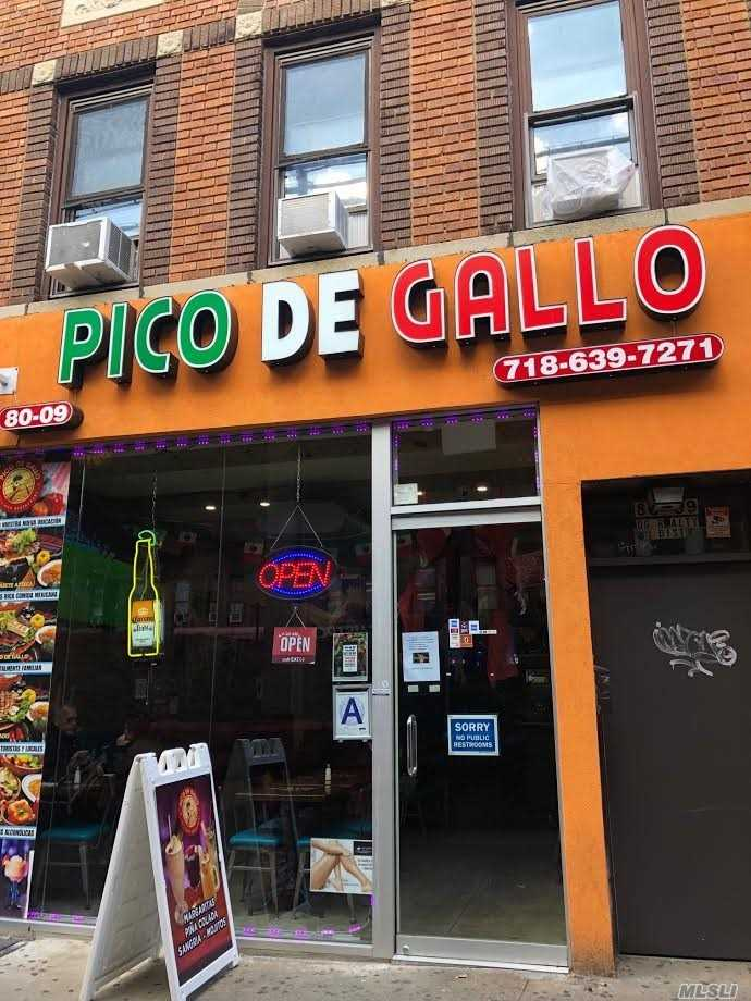 Acquisto commerciale in 80-09 Roosevelt Ave, Jackson Heights, NY ,11372