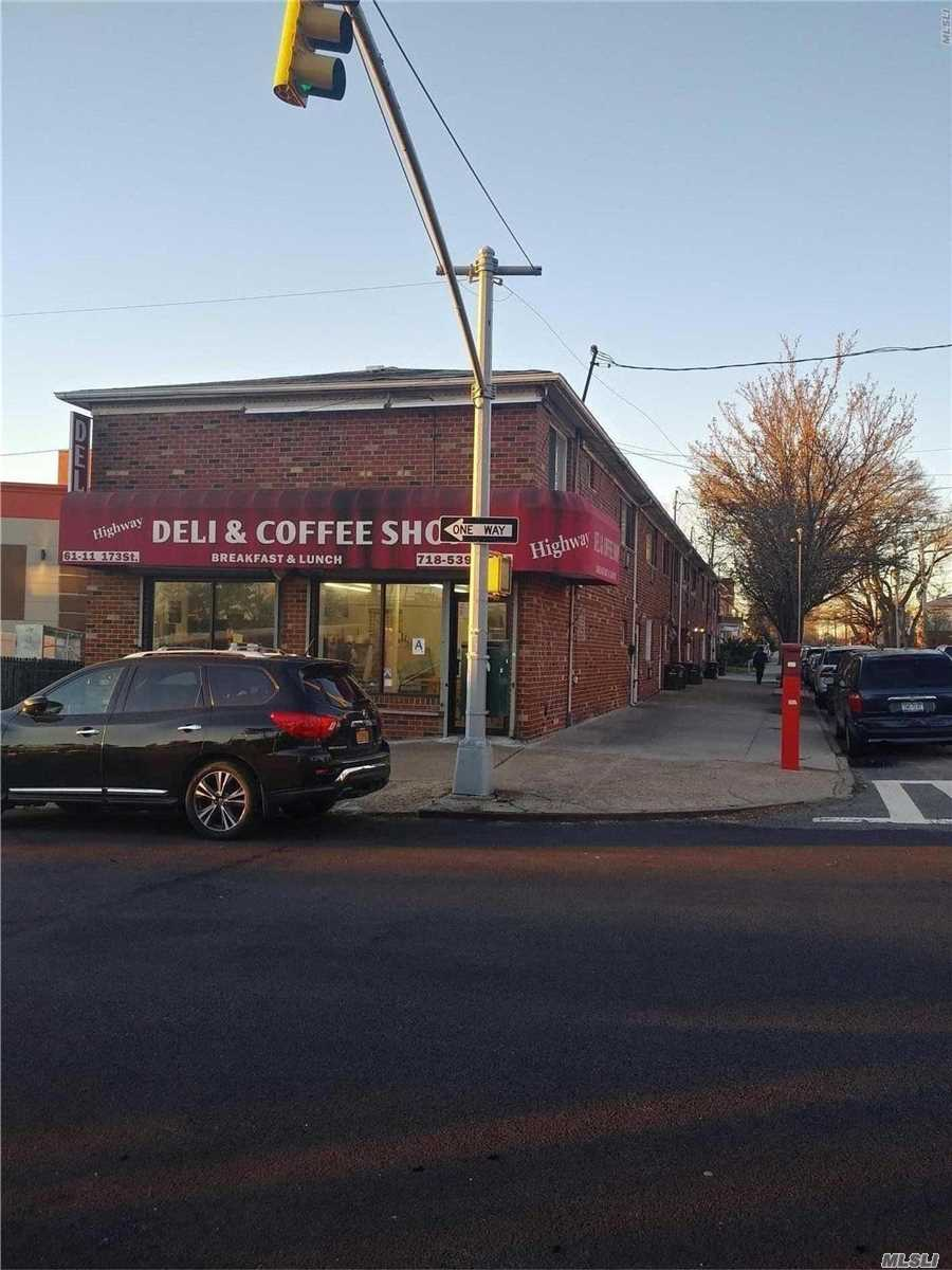 Acquisto commerciale in 61-11 173 St, Fresh Meadows, NY ,11365