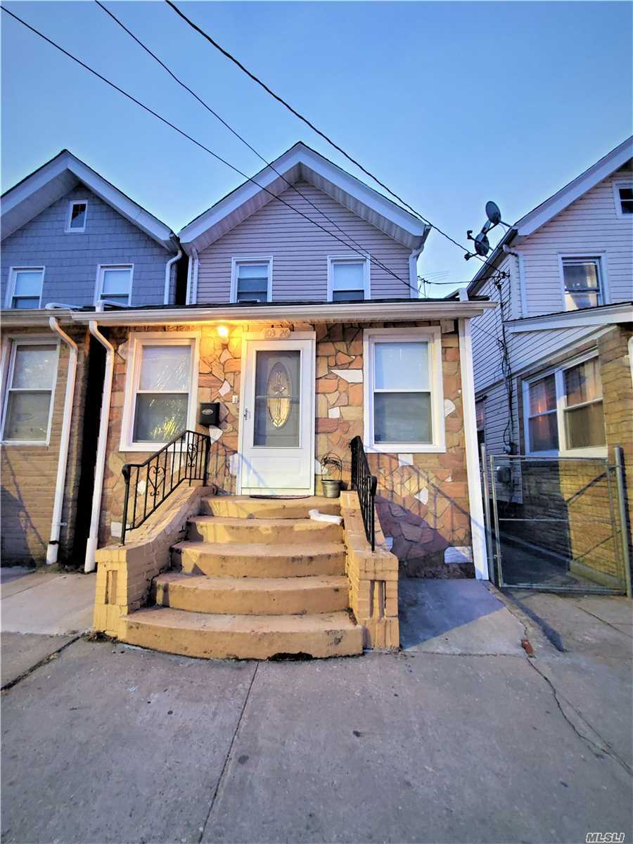 Residenziale in 103-26 108th St, Richmond Hill S., NY ,11419