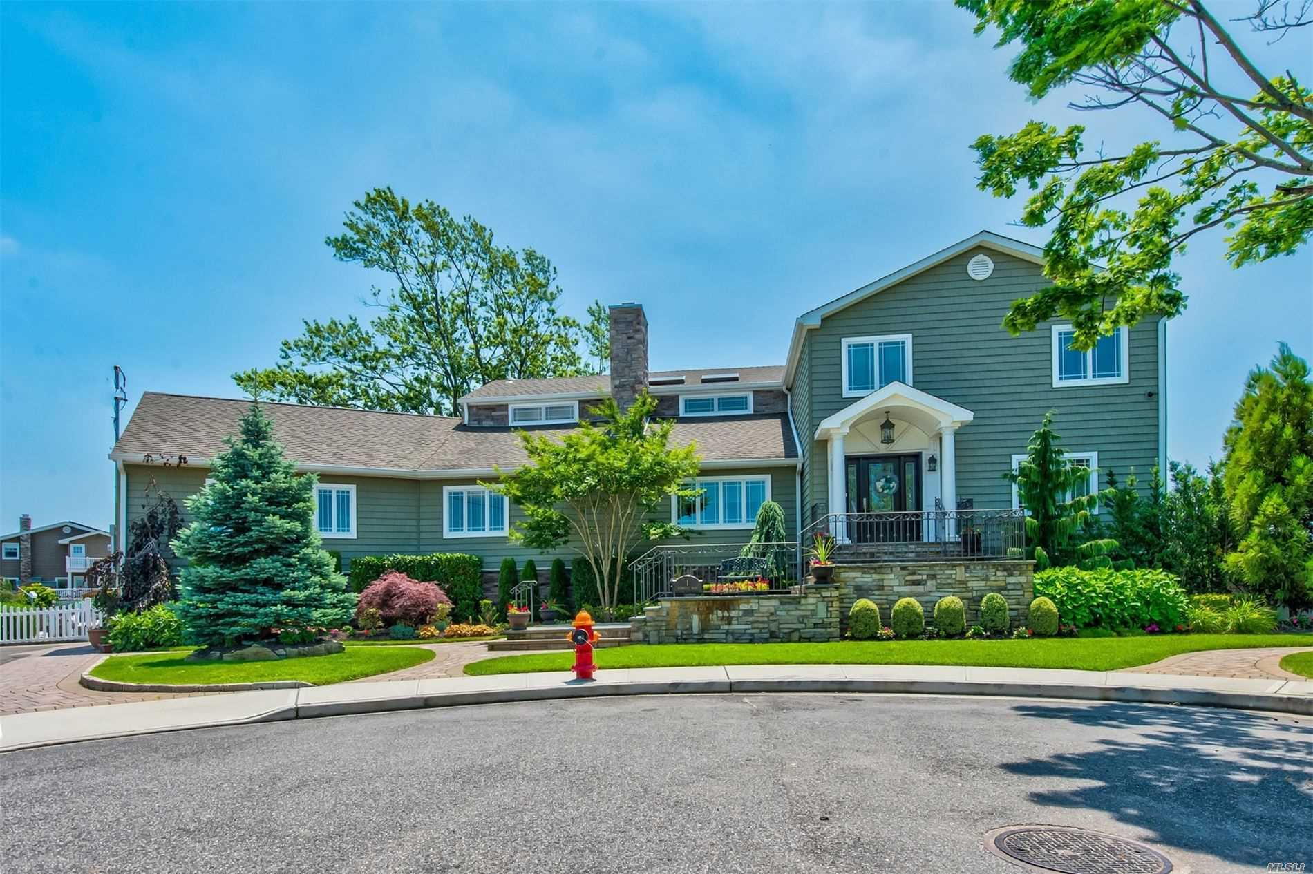 Residenziale in 1 Seabreeze Rd, Massapequa, NY ,11758