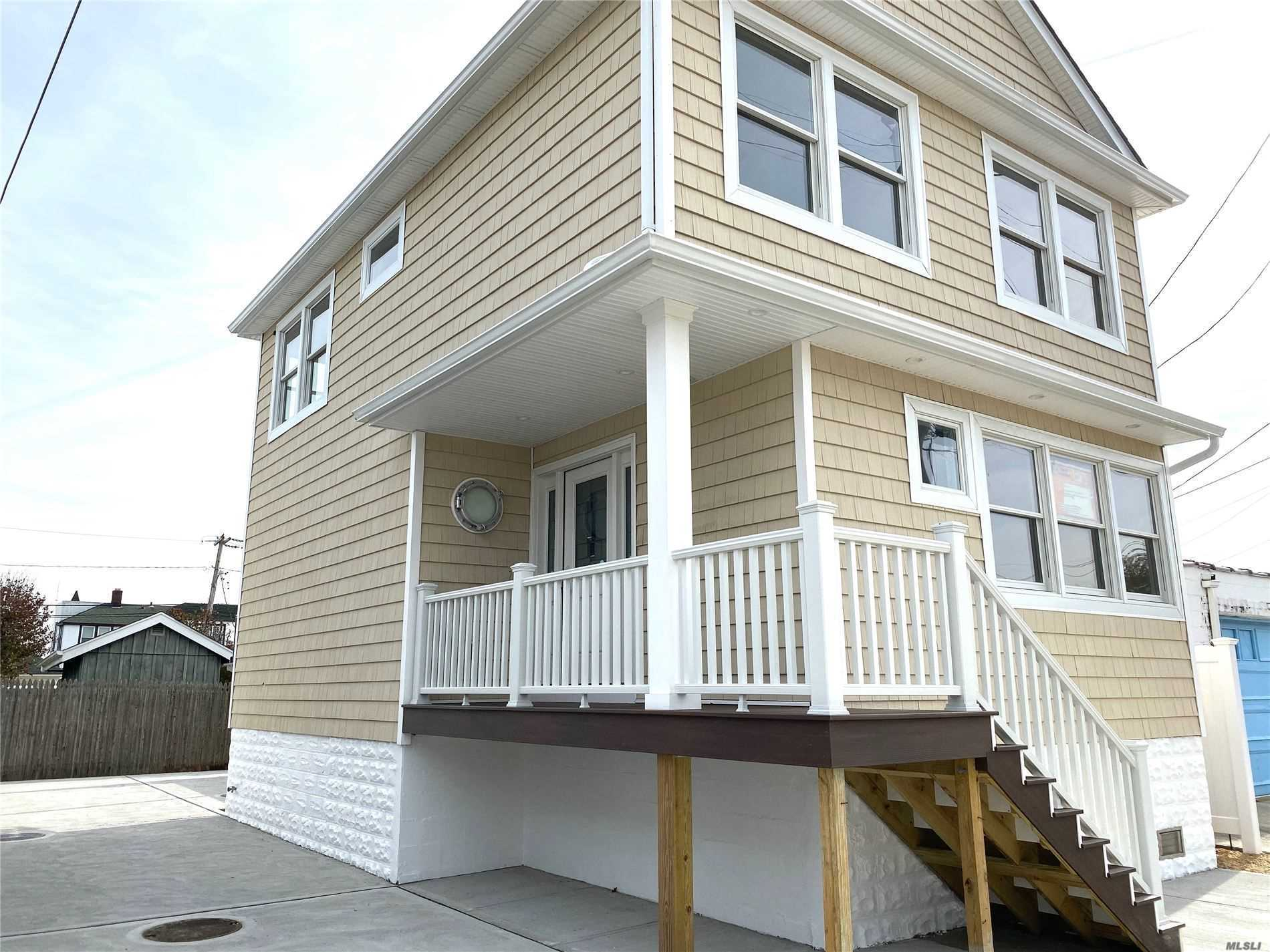 Residenziale in 20 Baldwin Ave, Point Lookout, NY ,11569
