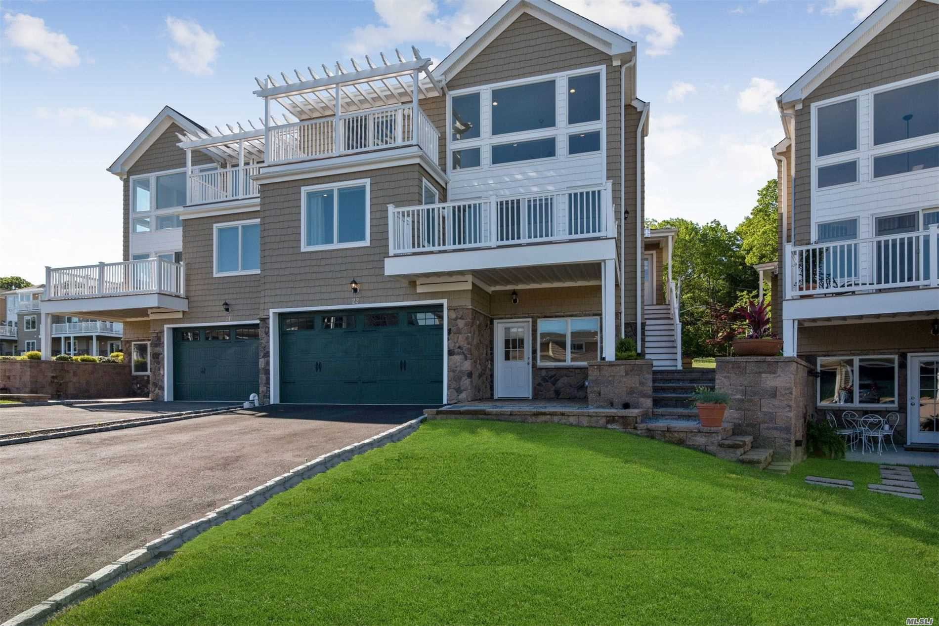Appartamento in vendita in 22 Theresa Ln, Port Jefferson, NY ,11777