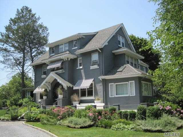 Residenziale in 870 Pond Ln, Woodsburgh, NY ,11598