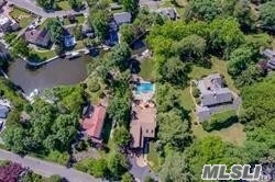Residenziale in 210 Connetquot Dr, Oakdale, NY ,11769