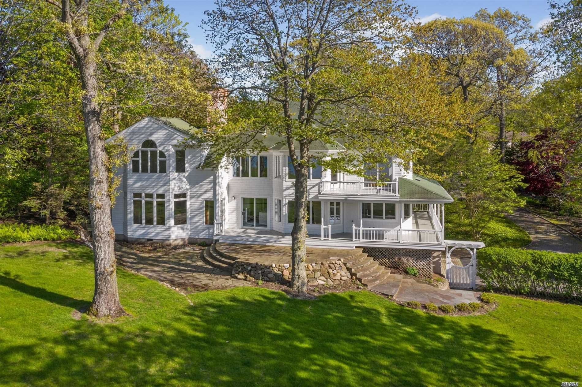 Residenziale in 35 Soundview Dr, Shoreham, NY ,11786