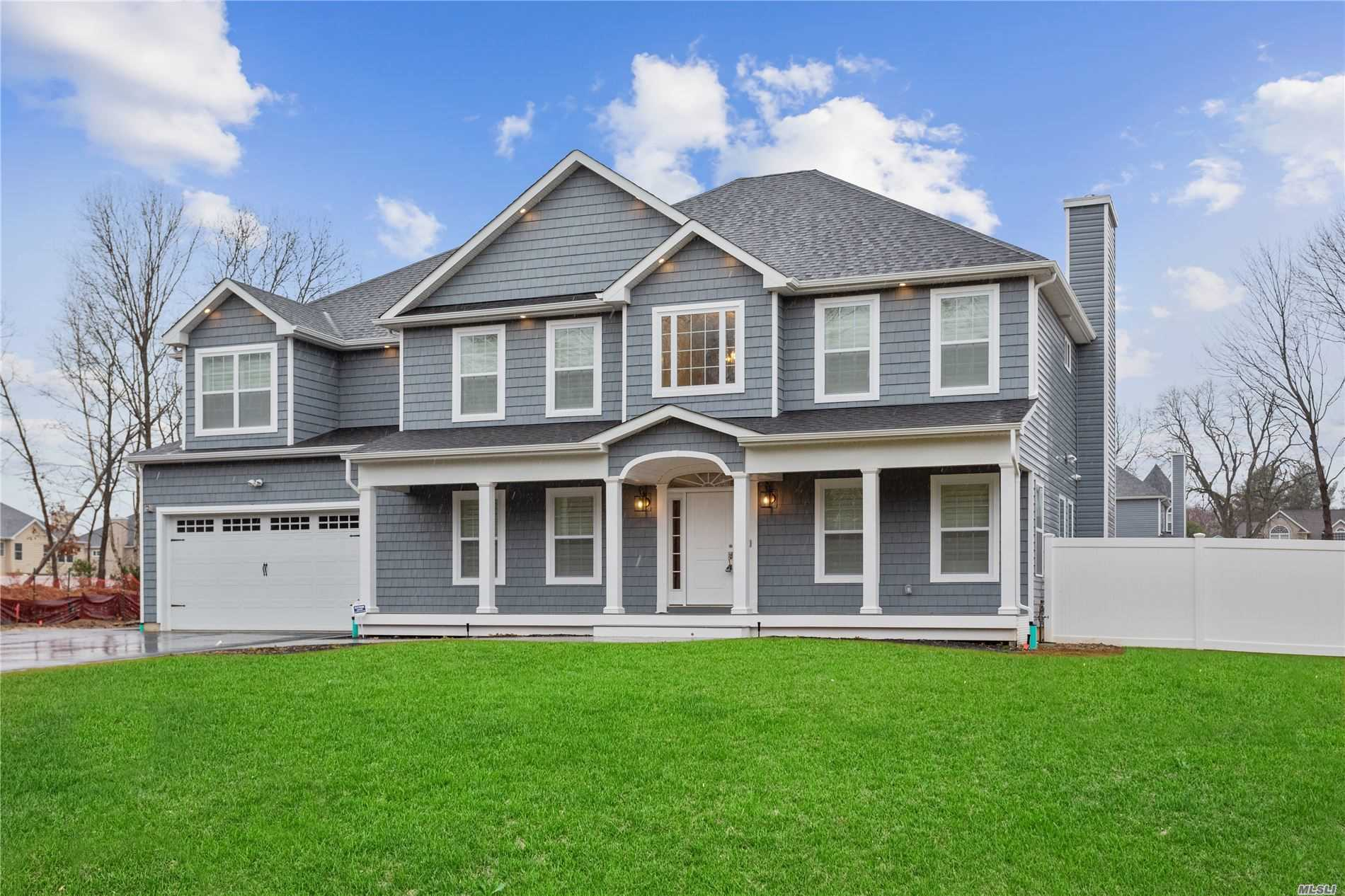 Residenziale in 10 Tobey Pl, E. Northport, NY ,11731