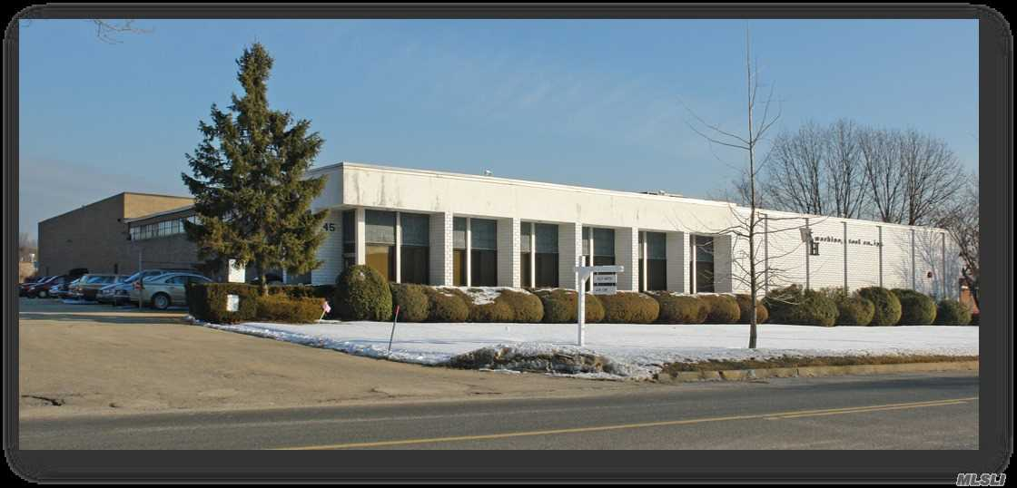 Acquisto commerciale in 45 Engineers Rd, Hauppauge, NY ,11788