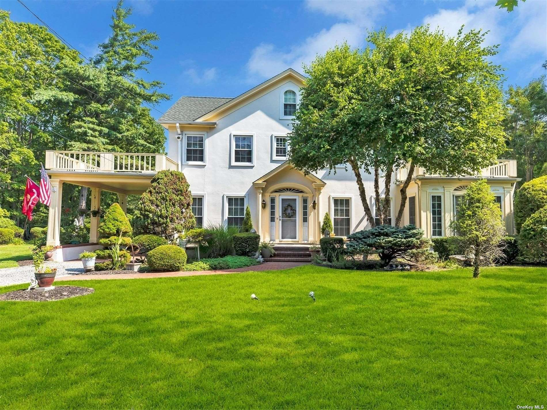 Residenziale in 677 Middle Road, Bayport, NY ,11705