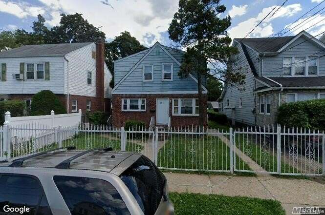 Residenziale in 197-16 118th Ave, St. Albans, NY ,11412