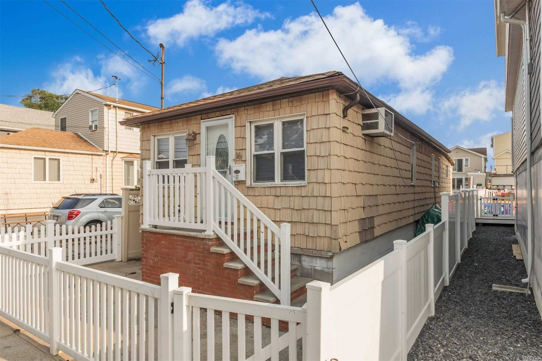 Residenziale in 16 15th W Rd, Broad Channel, NY ,11693
