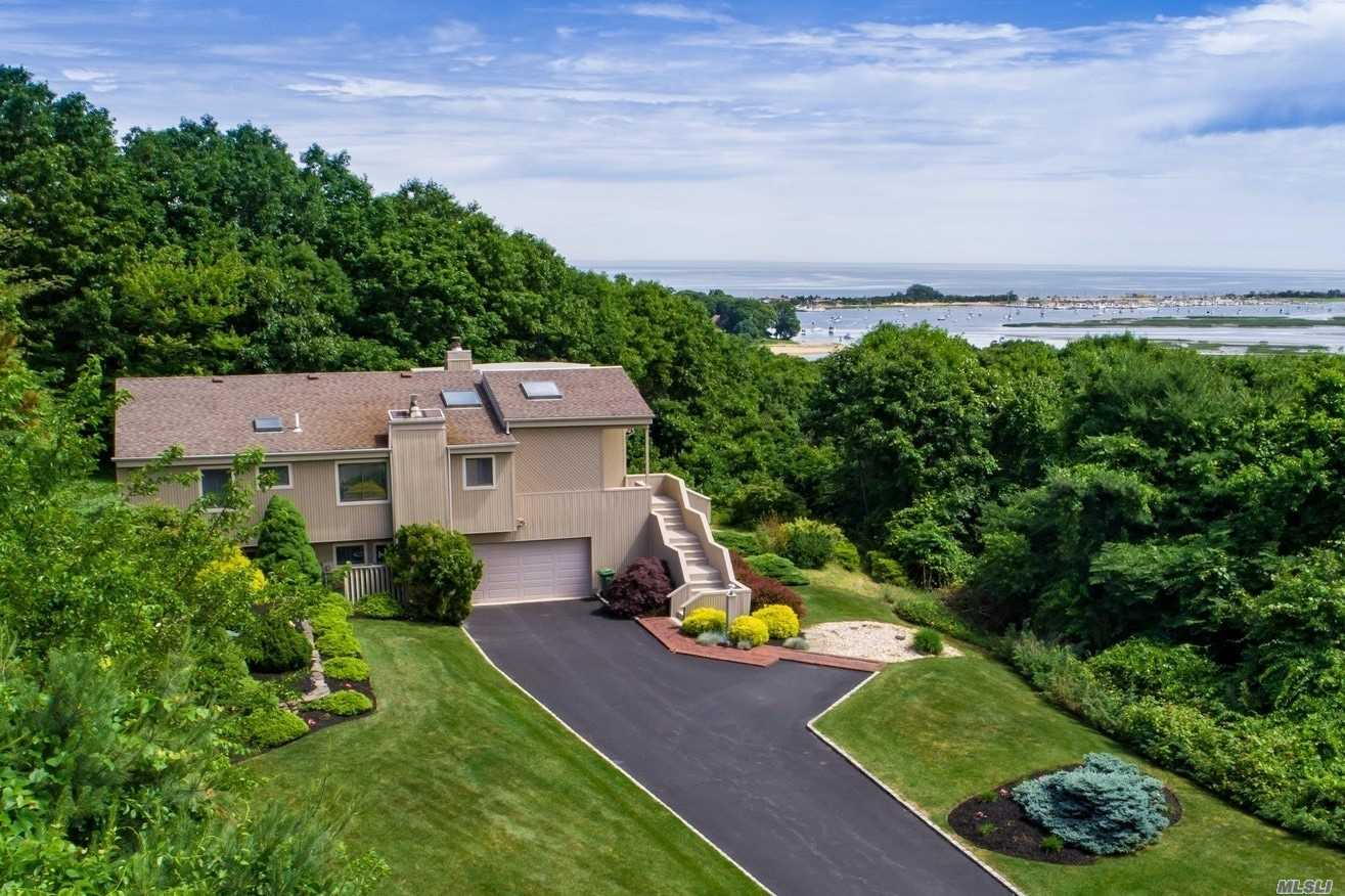 Residenziale in 123 Nadia Ct, Port Jefferson, NY ,11777