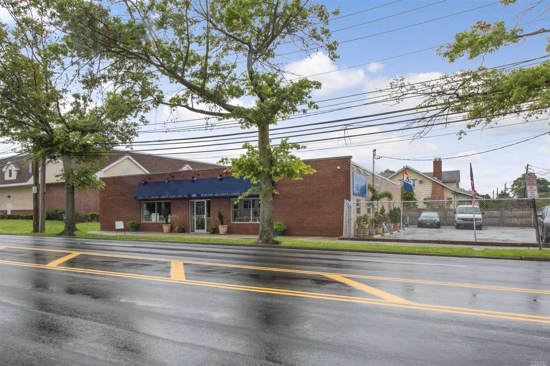 Acquisto commerciale in 493 Atlantic Ave, Oceanside, NY ,11572