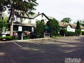 Acquisto commerciale in 161 Rose Dr, Ronkonkoma, NY ,11779