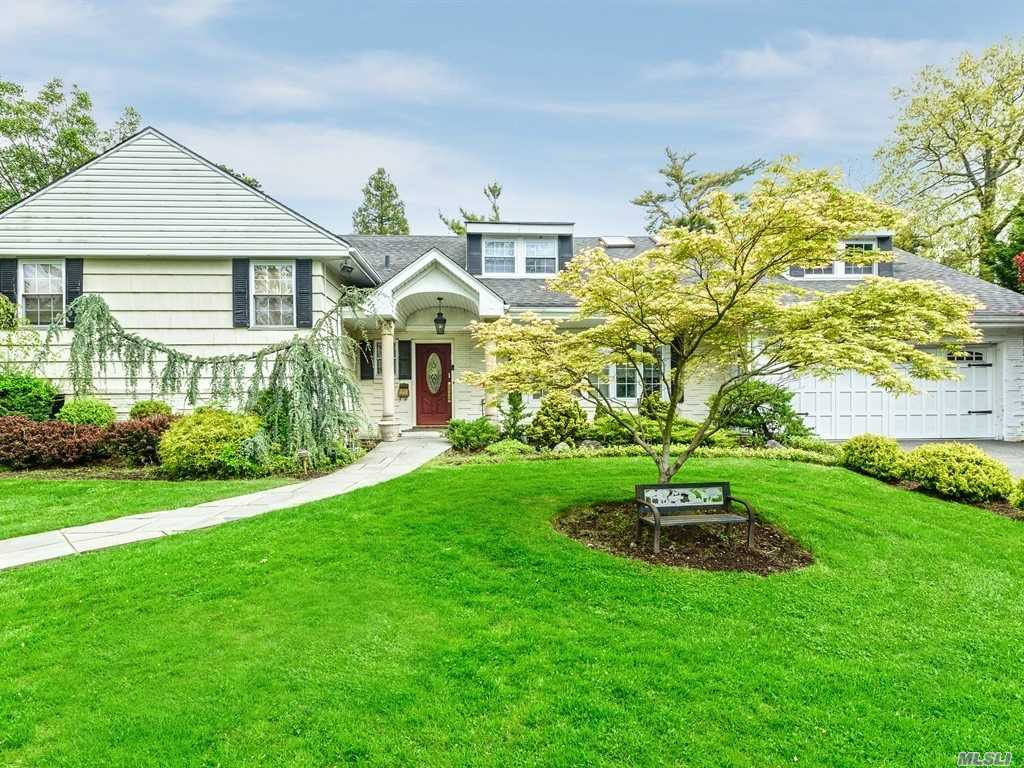 Residenziale in 860 Lawn Pl, Woodsburgh, NY ,11598