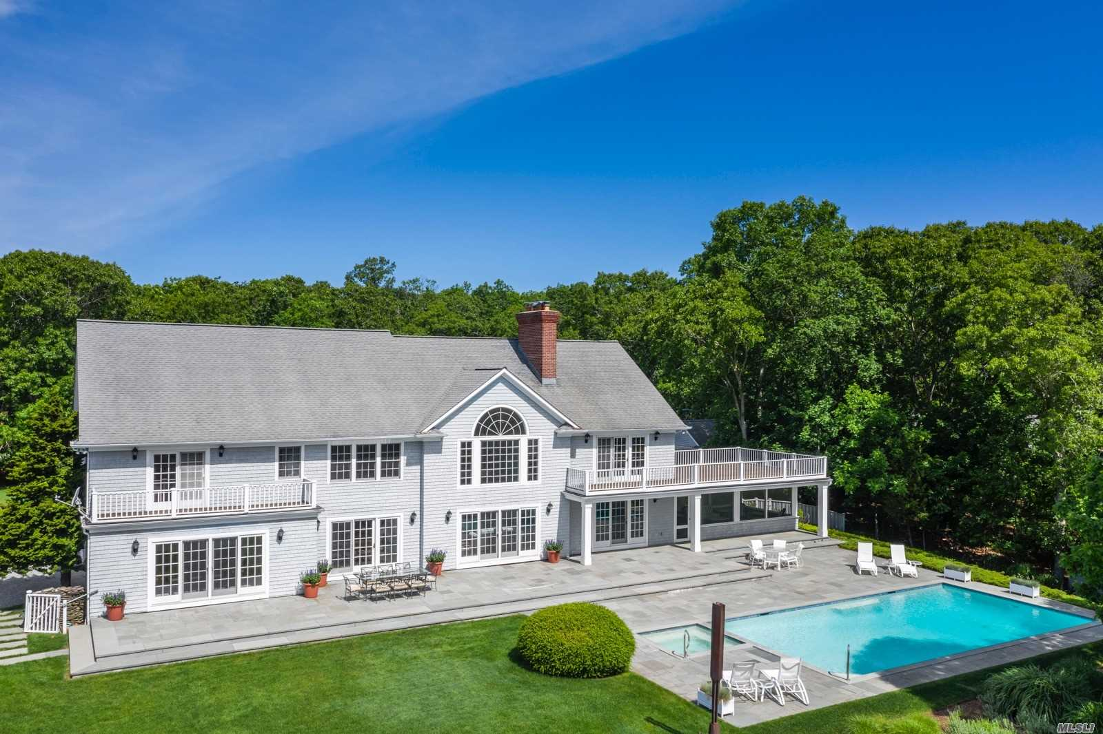 Residenziale in 70, 72, 74 3 Mile Harbor Dr, East Hampton, NY ,11937