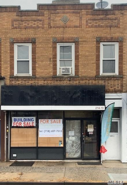 Acquisto commerciale in 214-19 Jamaica Ave, Queens Village, NY ,11428