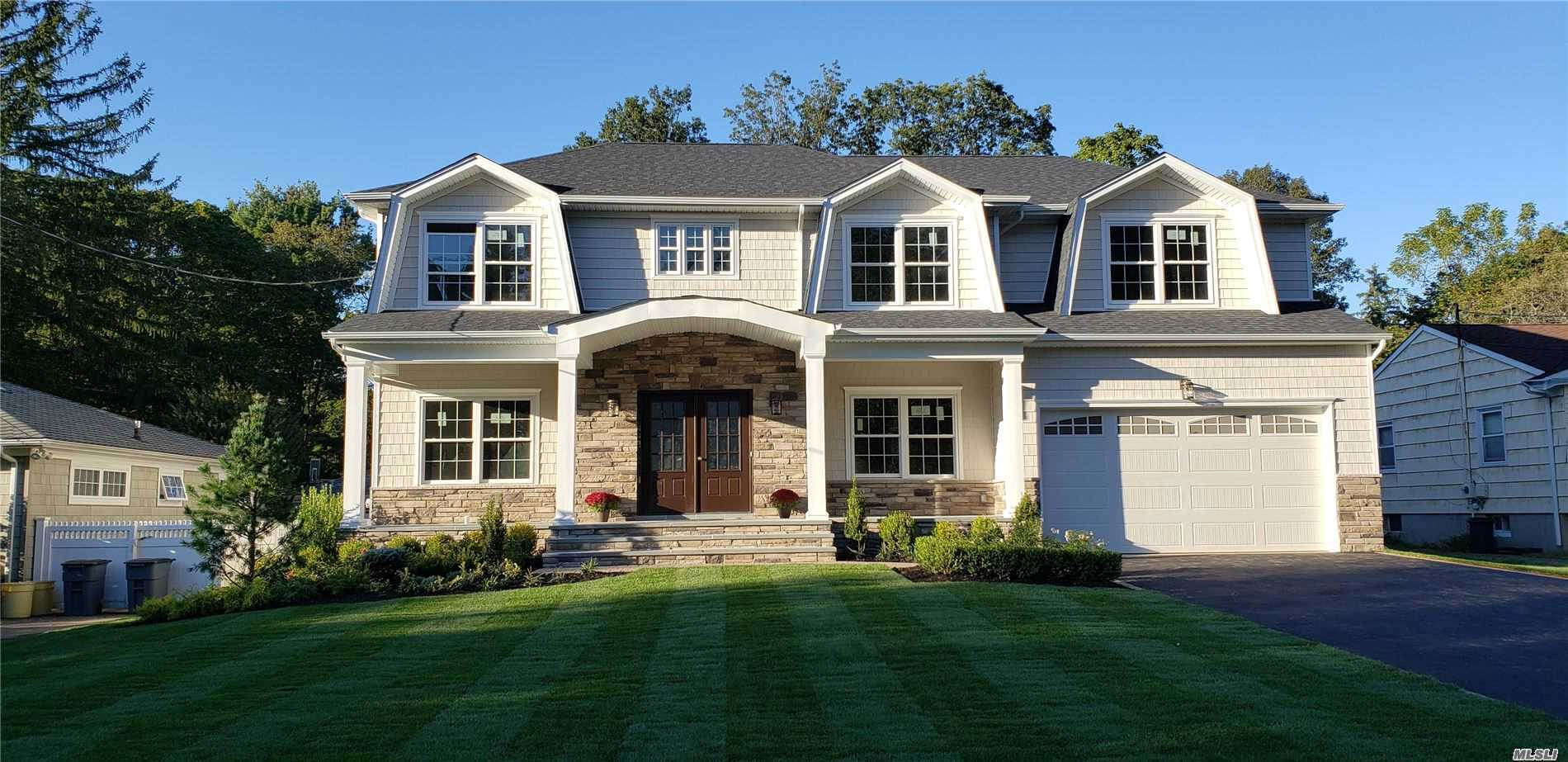 Residenziale in 42 Meadowbrook Rd, Syosset, NY ,11791