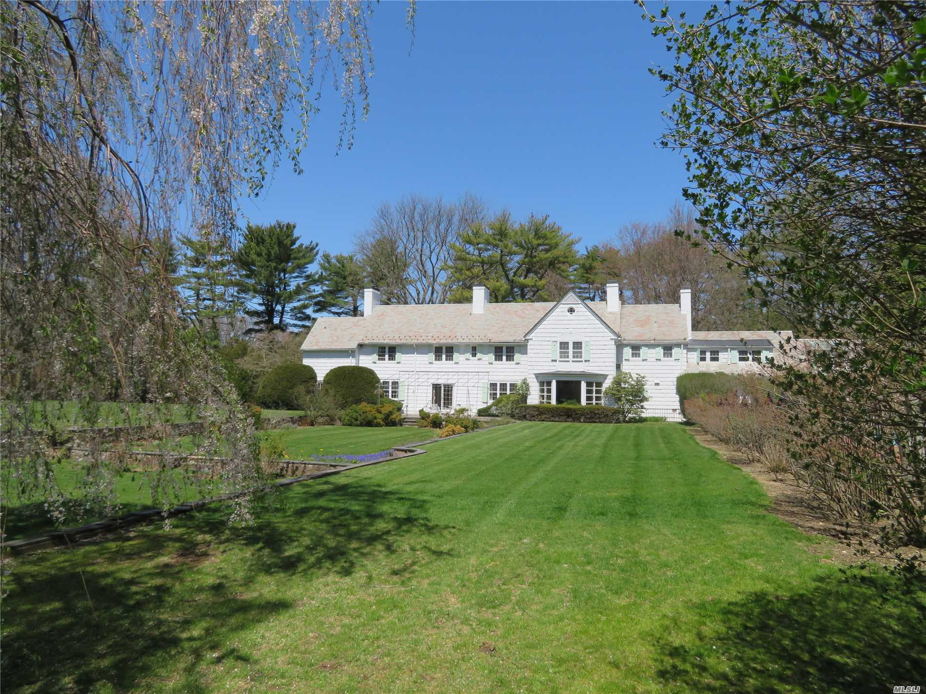 Residenziale in 10 Meadowspring Ln, Glen Cove, NY ,11542