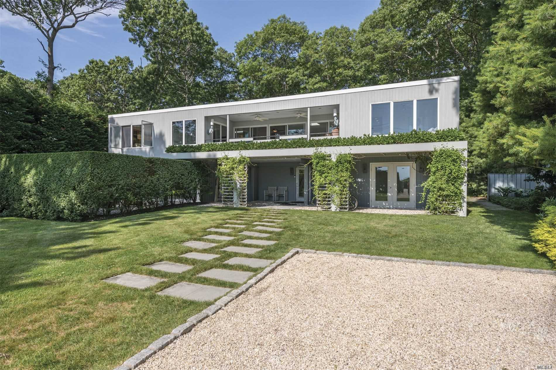 Residenziale in 1039 Springs Fireplac Rd, East Hampton, NY ,11937