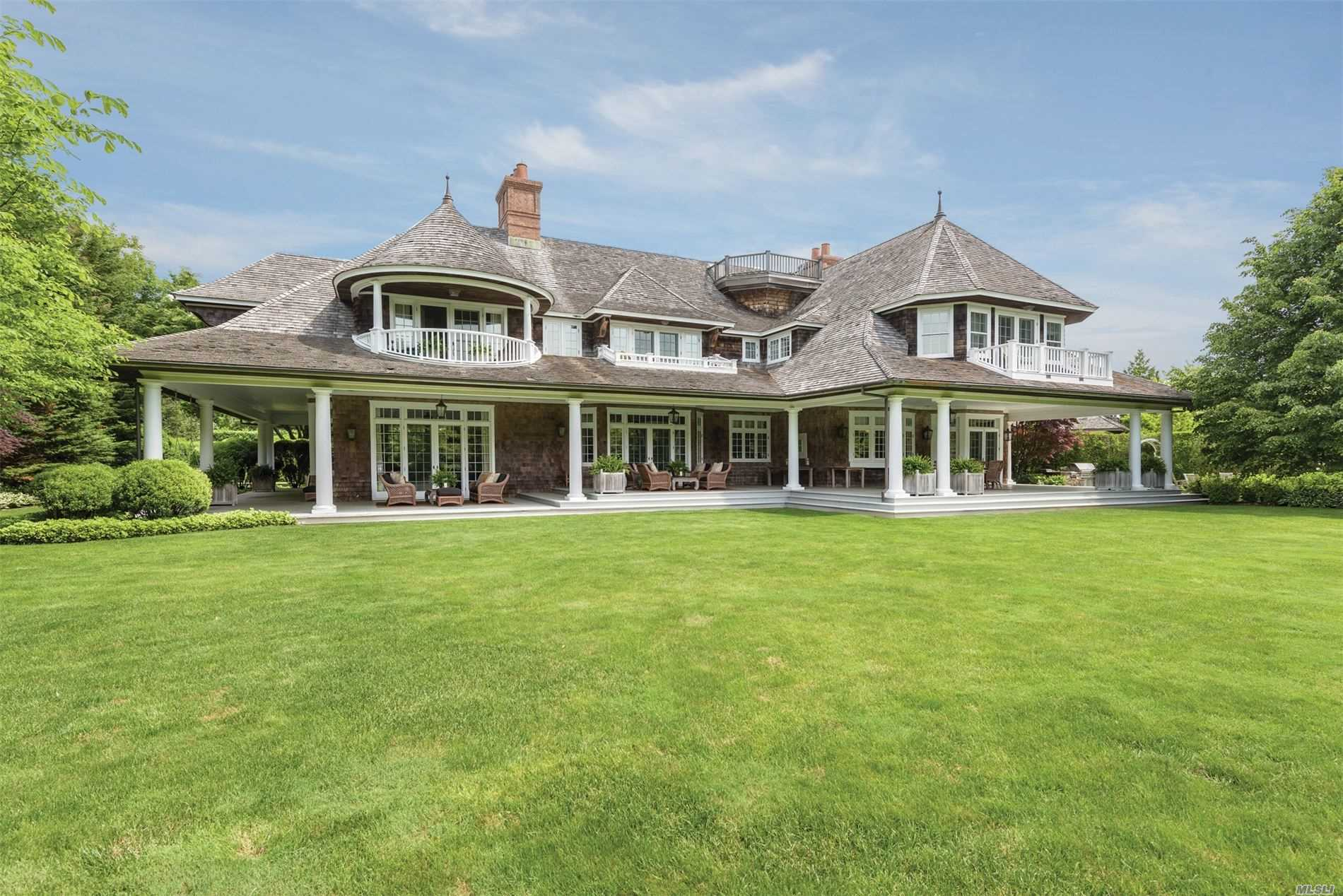 Residenziale in 72 Foster Xing, Southampton, NY ,11968
