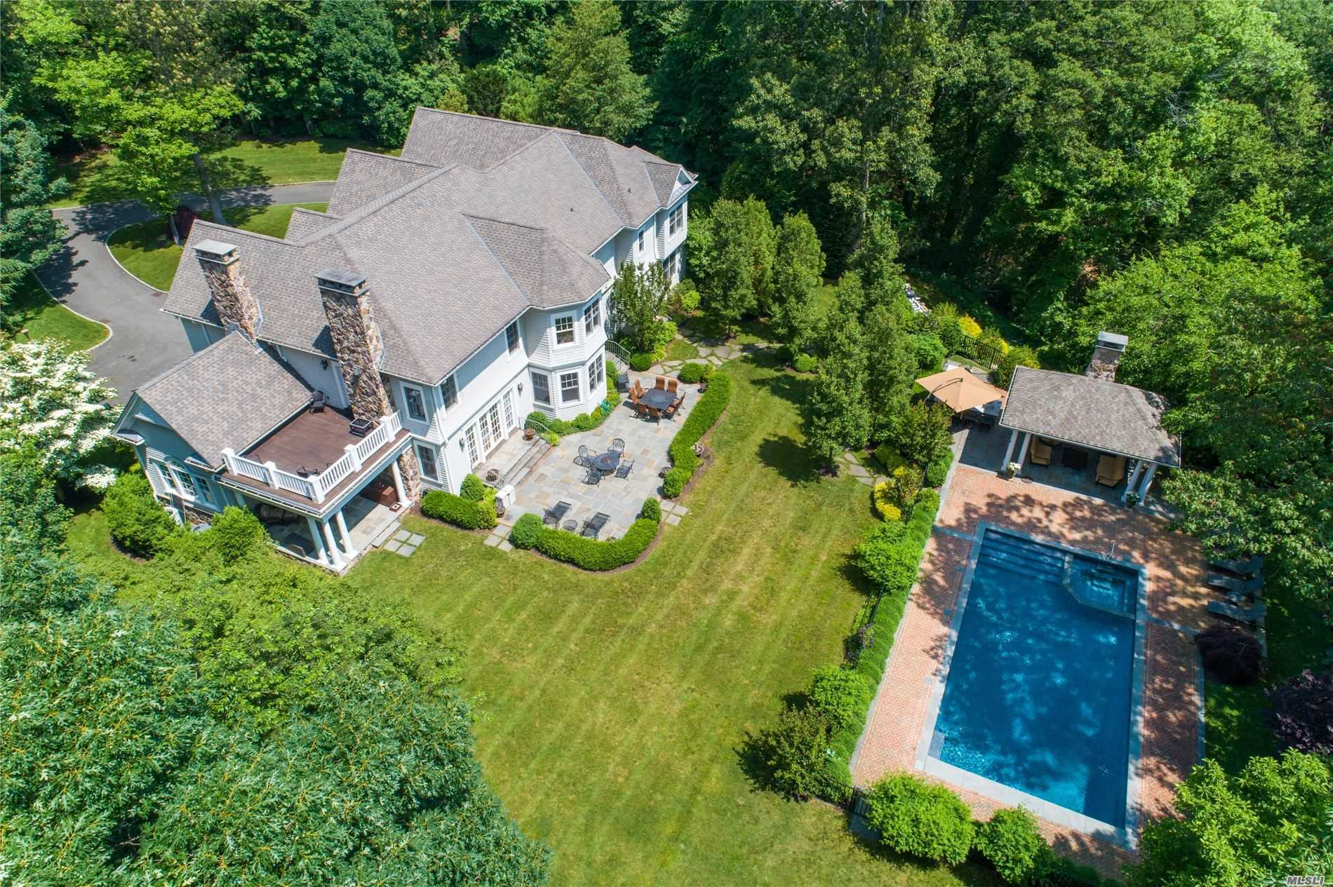 Residenziale in 1180 Cove Edge Rd, Oyster Bay Cove, NY ,11791