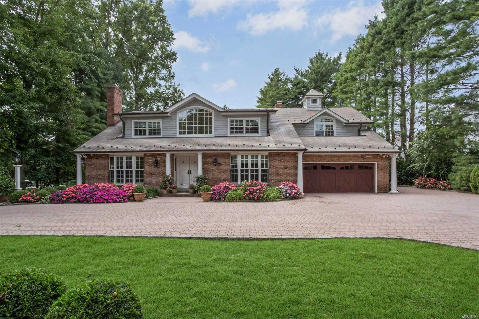 Residenziale in 30 Cathedral Ave, Garden City, NY ,11530