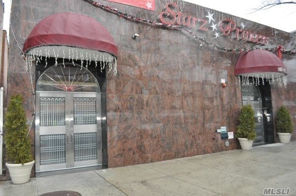 Acquisto commerciale in 107-11 101st Ave, Ozone Park, NY ,11416