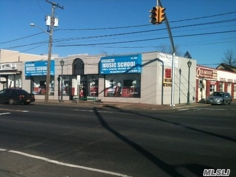 Acquisto commerciale in 2873-2879 Long Beach Rd, Oceanside, NY ,11572
