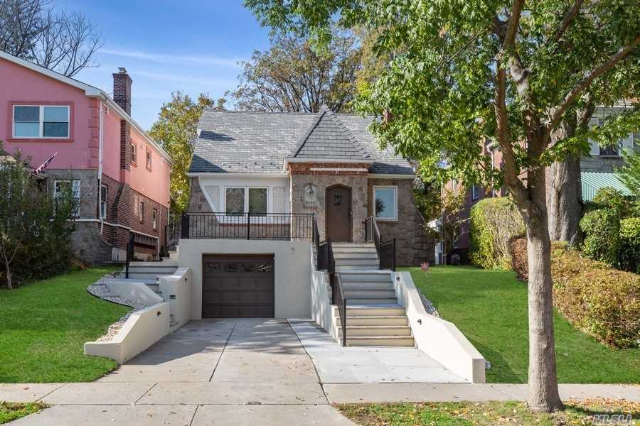 Residenziale in 80-92 Tryon Pl, Jamaica Estates, NY ,11432