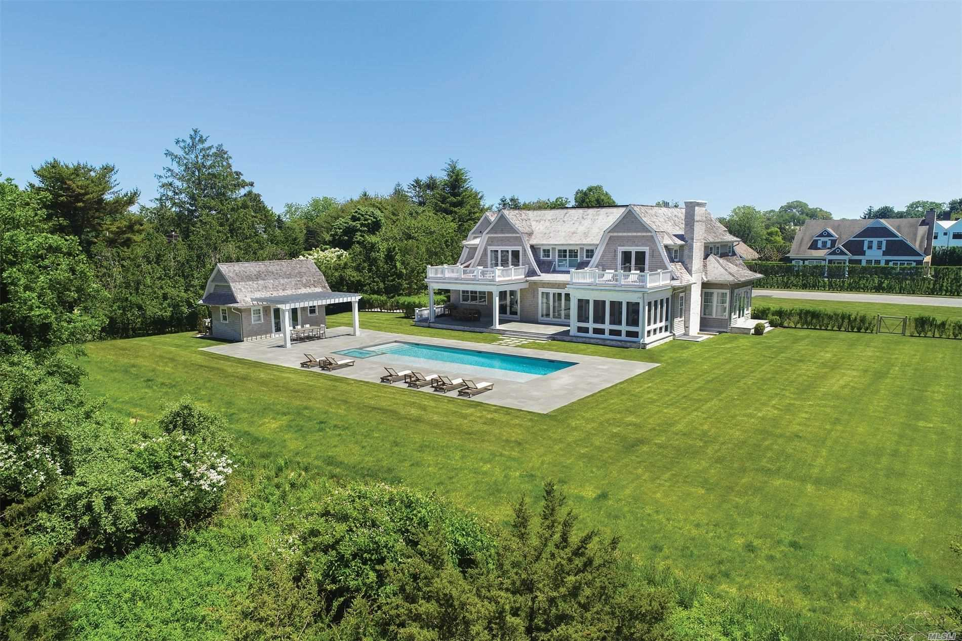 Residenziale in 30 Lawrence Ct, Water Mill, NY ,11976