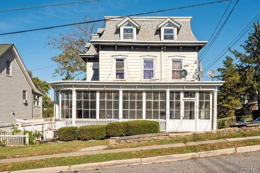 Residenziale in 27 Clinton Ave, Out Of Area Town, NY ,10562