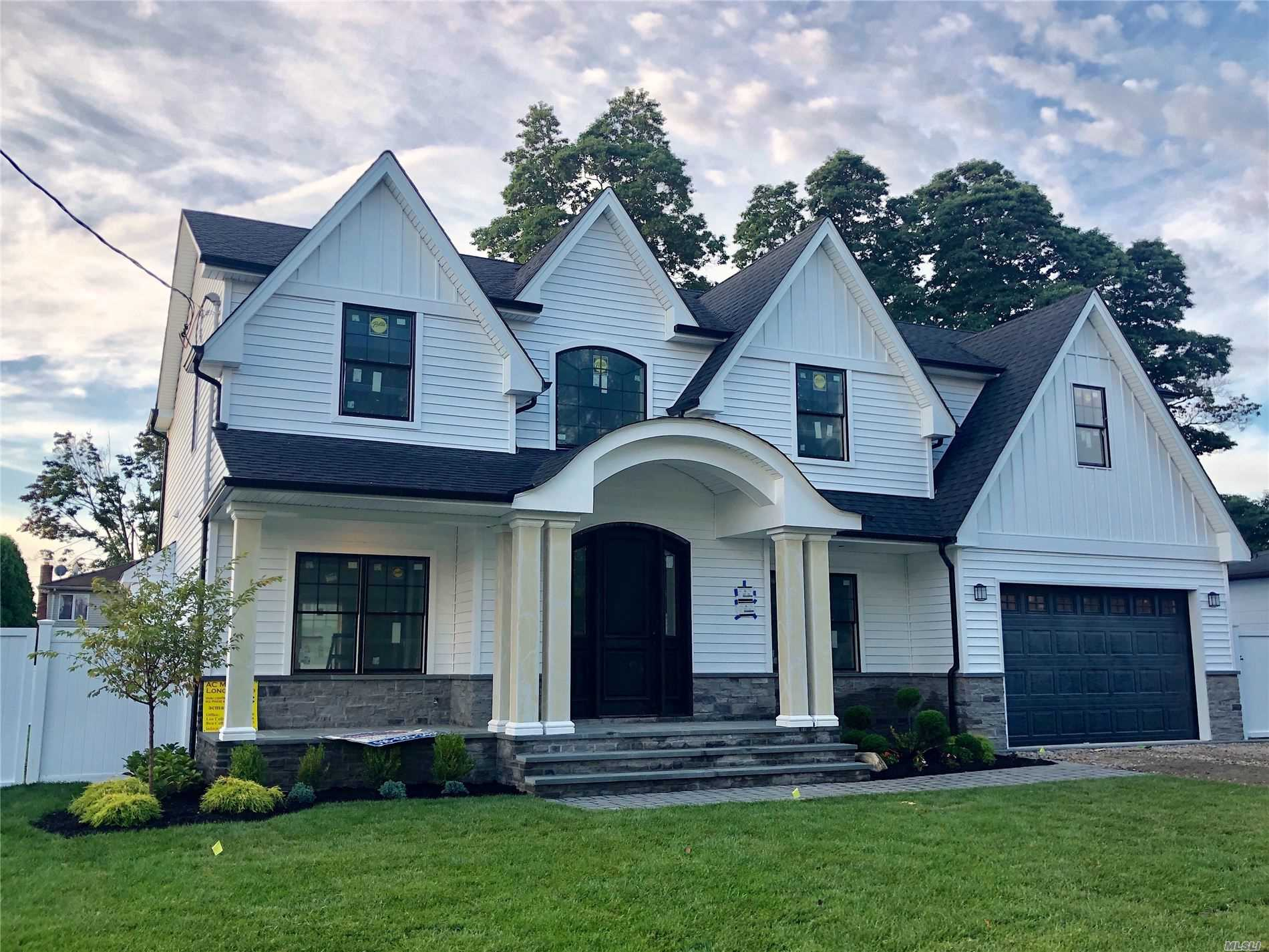 Residenziale in 67 Northern W Pky, Plainview, NY ,11803