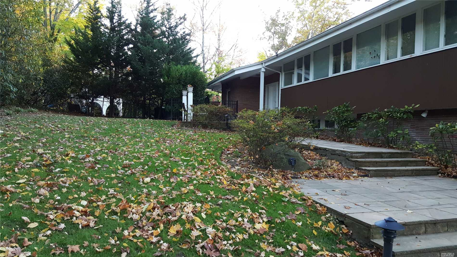 Residenziale in 238 Kings Point Rd, Great Neck, NY ,11024