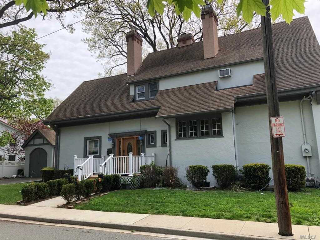 Residenziale in 128 Park St, Woodmere, NY ,11598