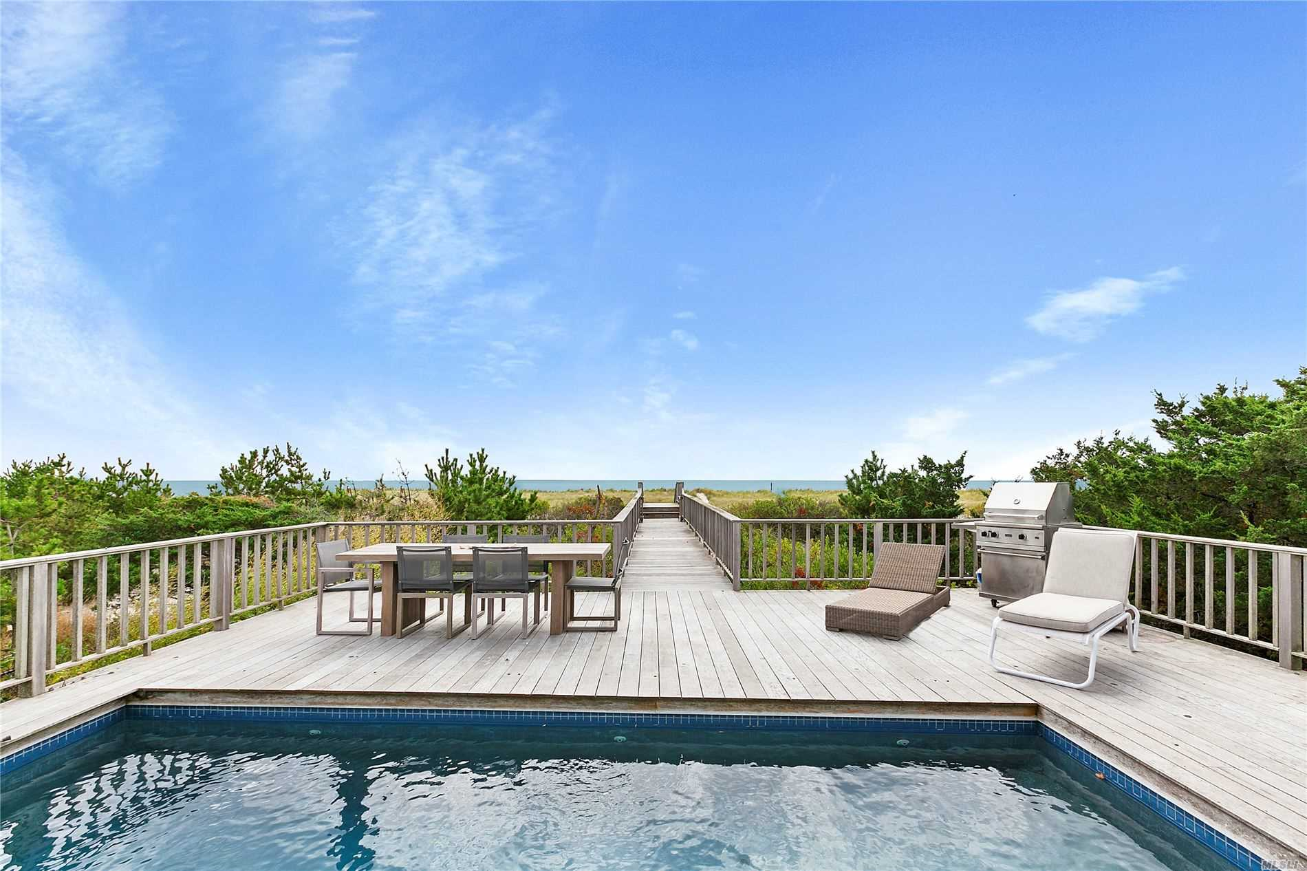 Residenziale in 107 Dune Rd, Westhampton Bch, NY ,11978