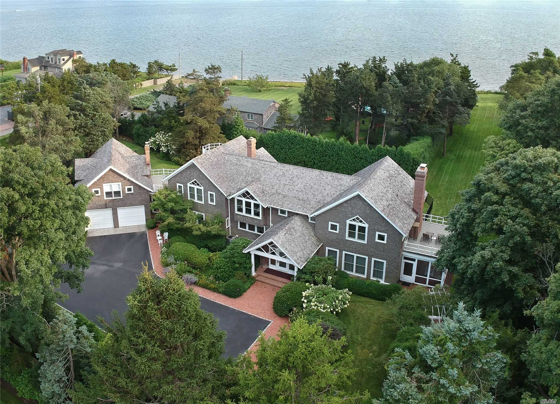 Residenziale in 42 Thorn Hedge Rd, Bellport Village, NY ,11713