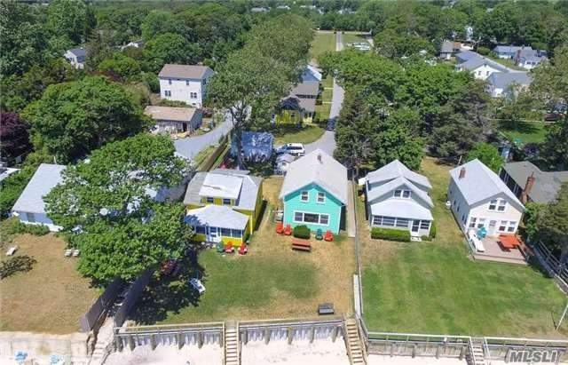 Residenziale in 18 Peconic Bay Blvd, Jamesport, NY ,11947