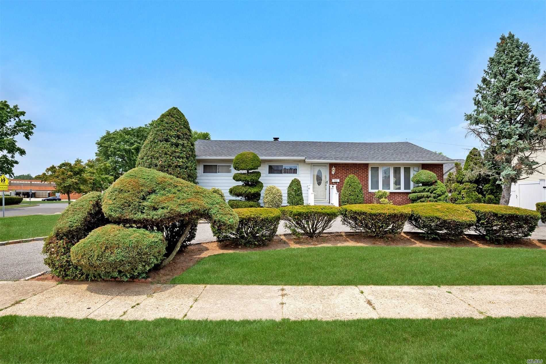 Residenziale in 760 Patterson Ave, Franklin Square, NY ,11010