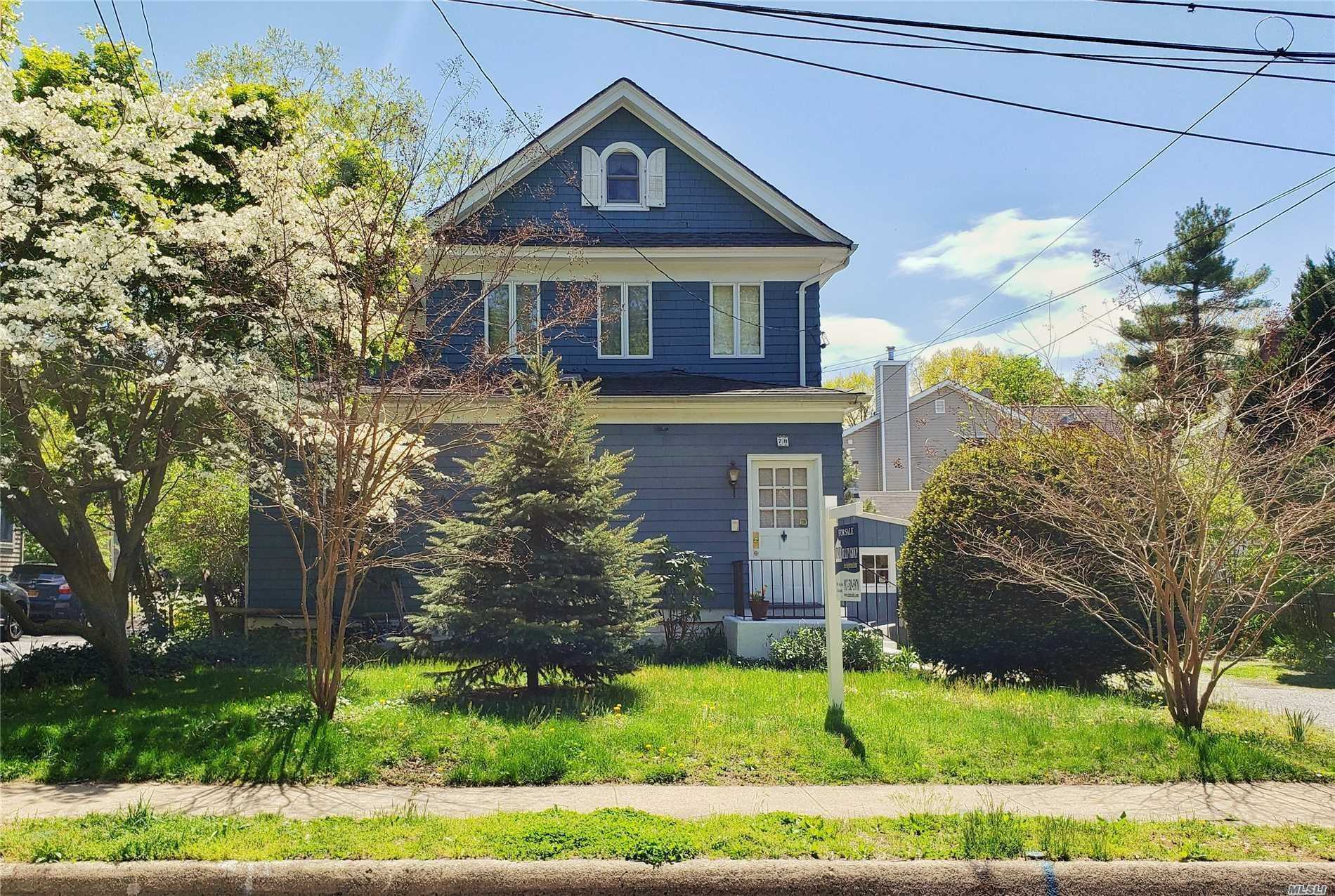 Residenziale in 78 Webster Ave, Port Washington, NY ,11050