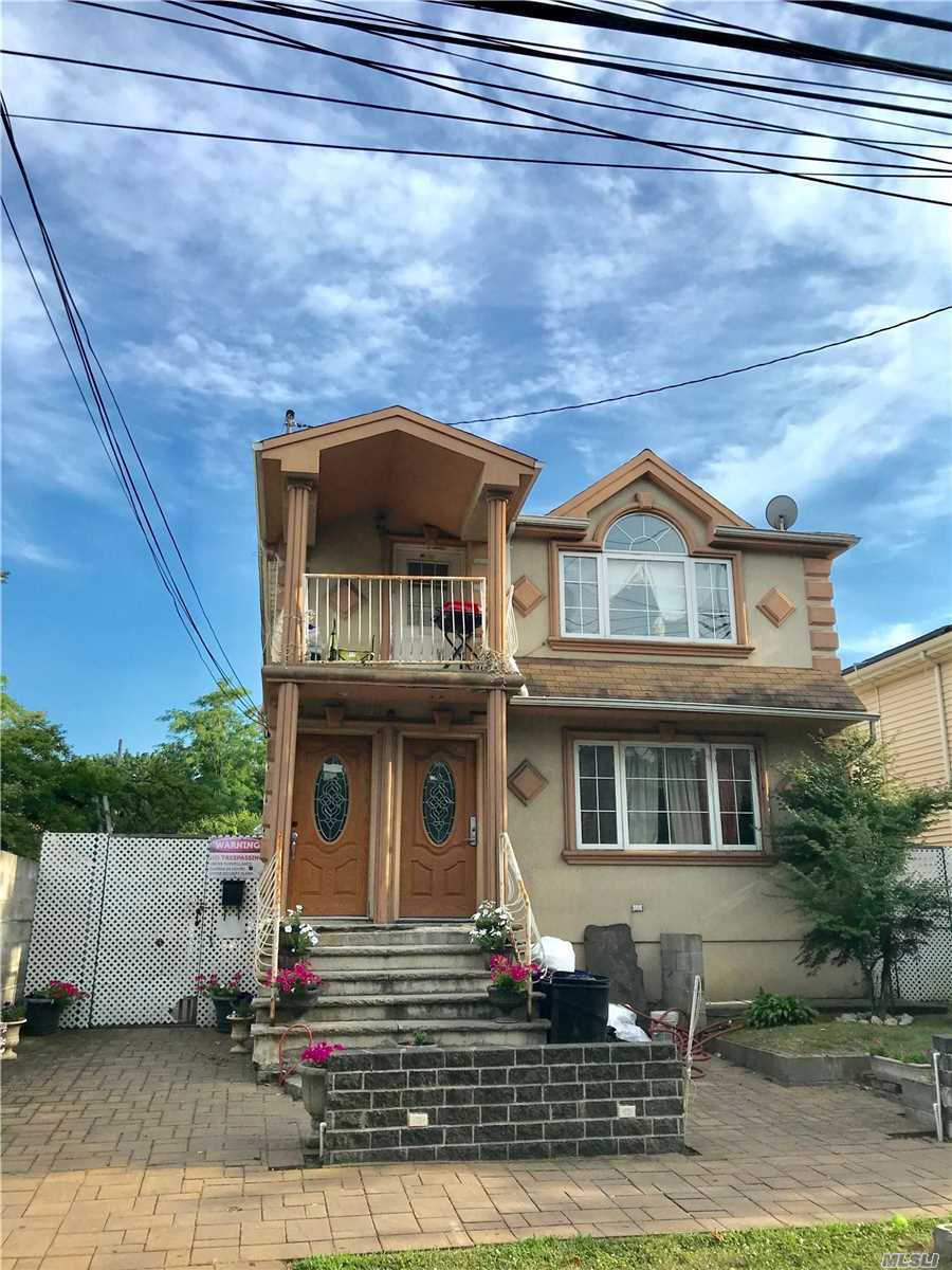 Residenziale in 130-12 Sutter Ave, S. Ozone Park, NY ,11420