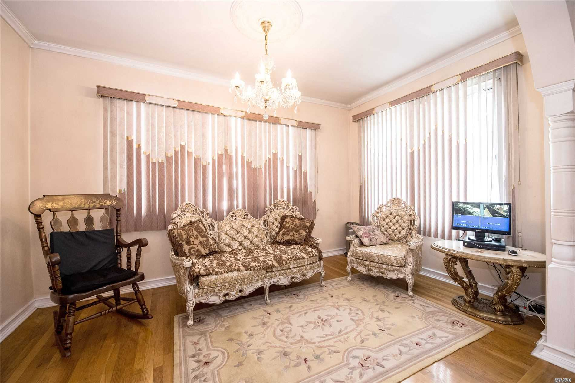 Residenziale in 101-18 132nd St, Richmond Hill S., NY ,11419