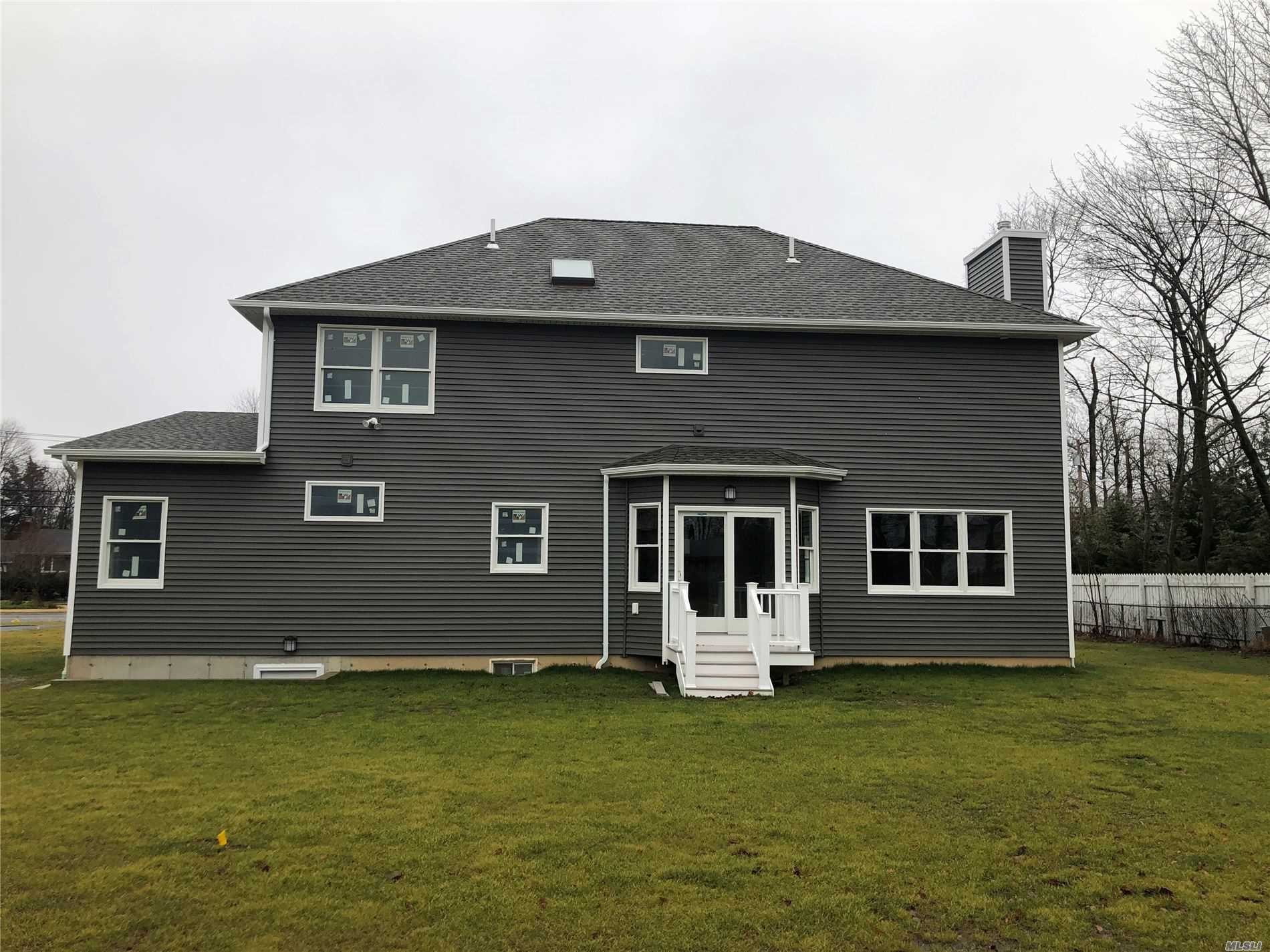 Residenziale in 297 Burr Lot 2 Rd, E. Northport, NY ,11731