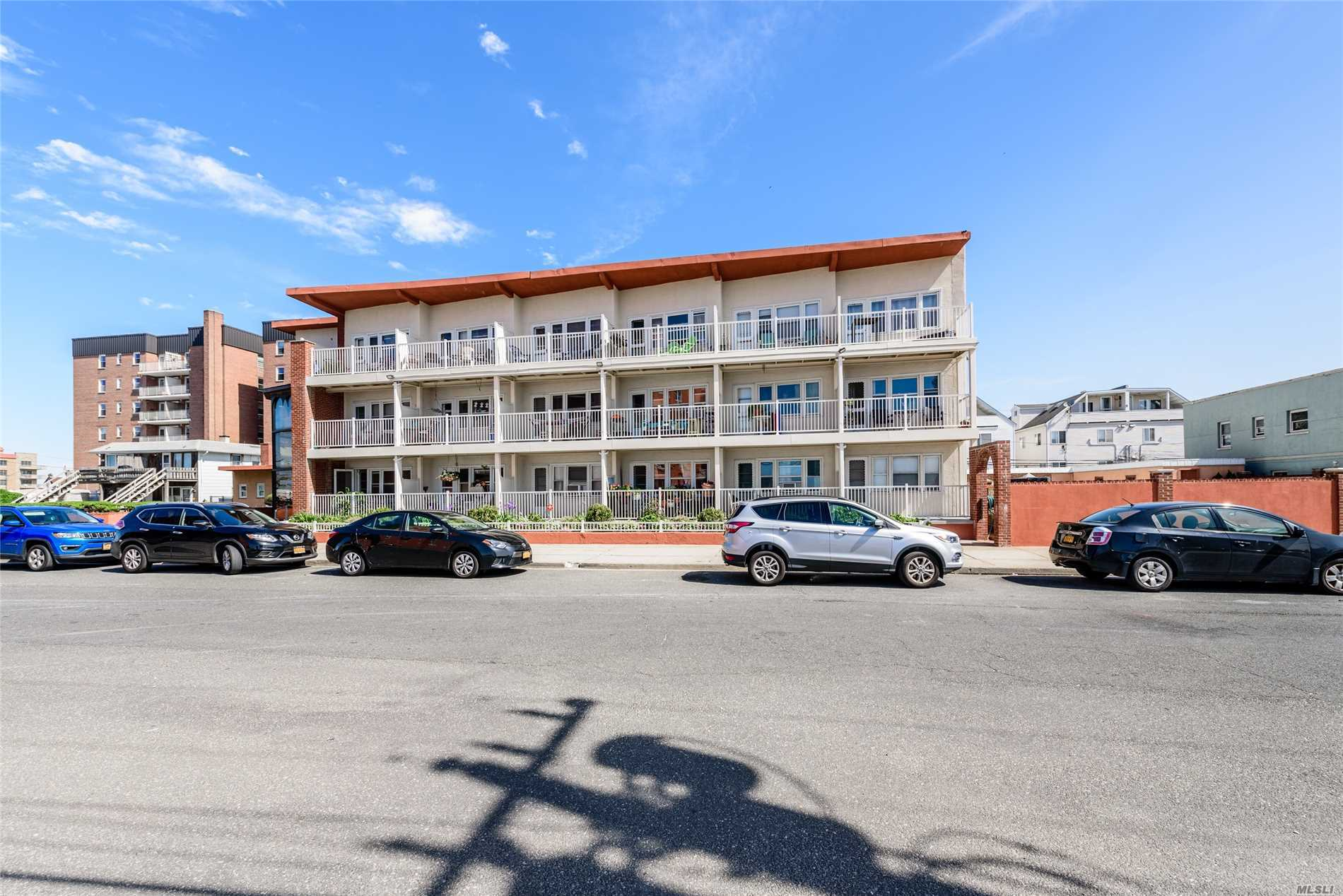 Acquisto commerciale in 233-239 Shore Rd, Long Beach, NY ,11561