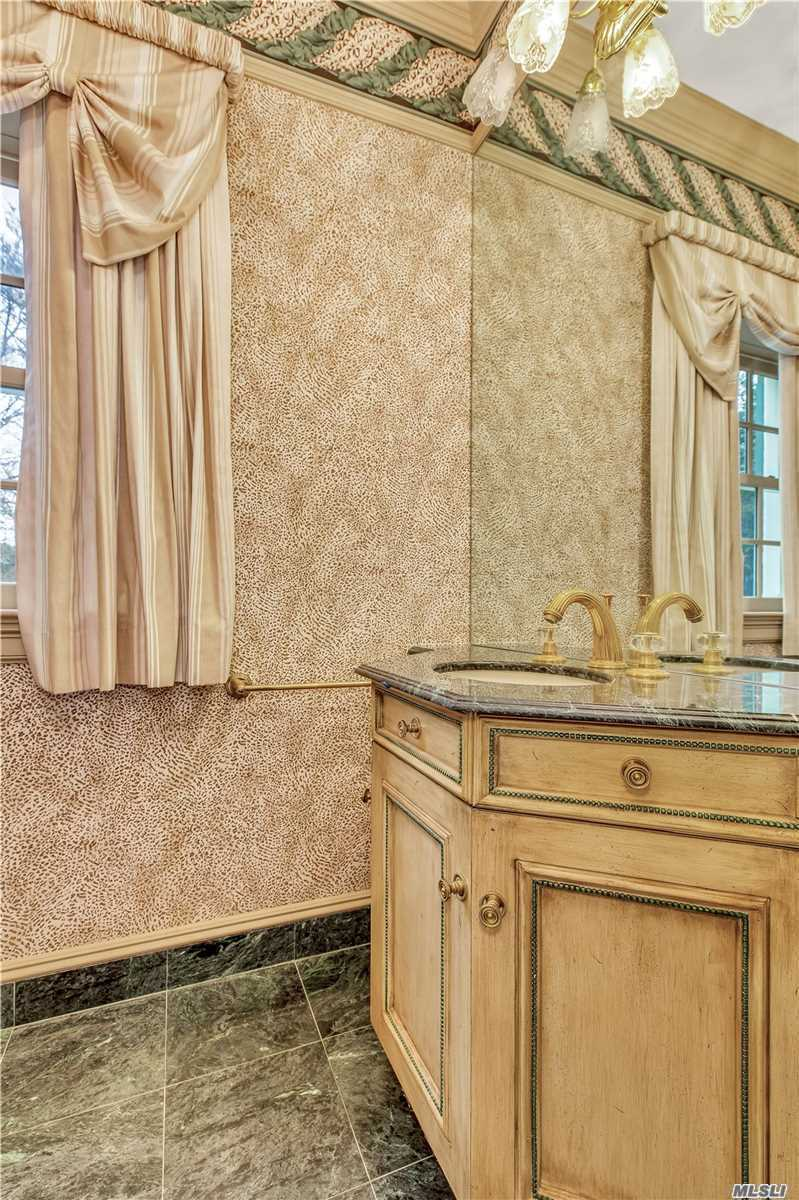Residenziale in 14 Private Rd, Bayville, NY ,11709