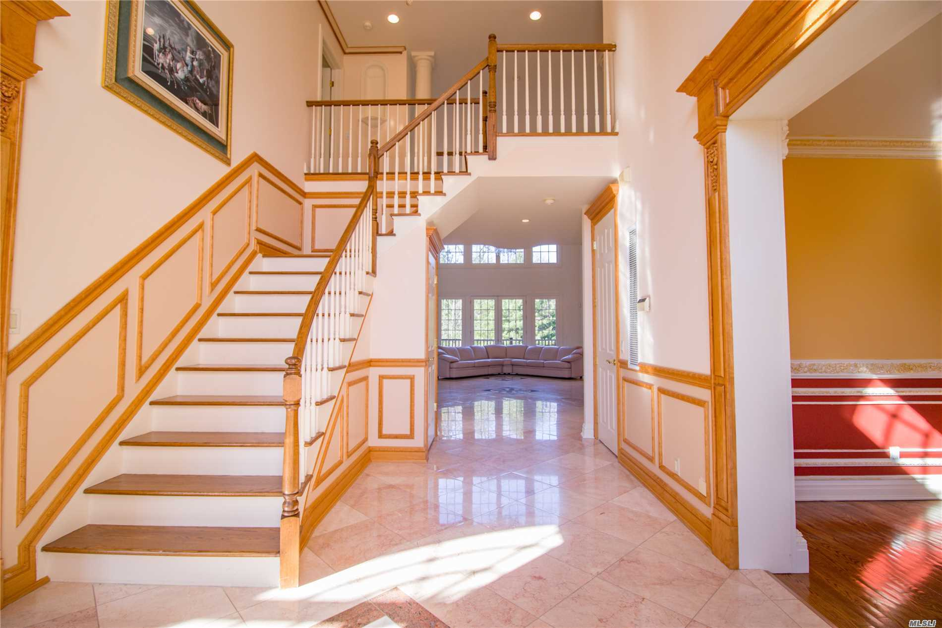 Residenziale in 30 Stone Hill Dr, Manhasset, NY ,11030