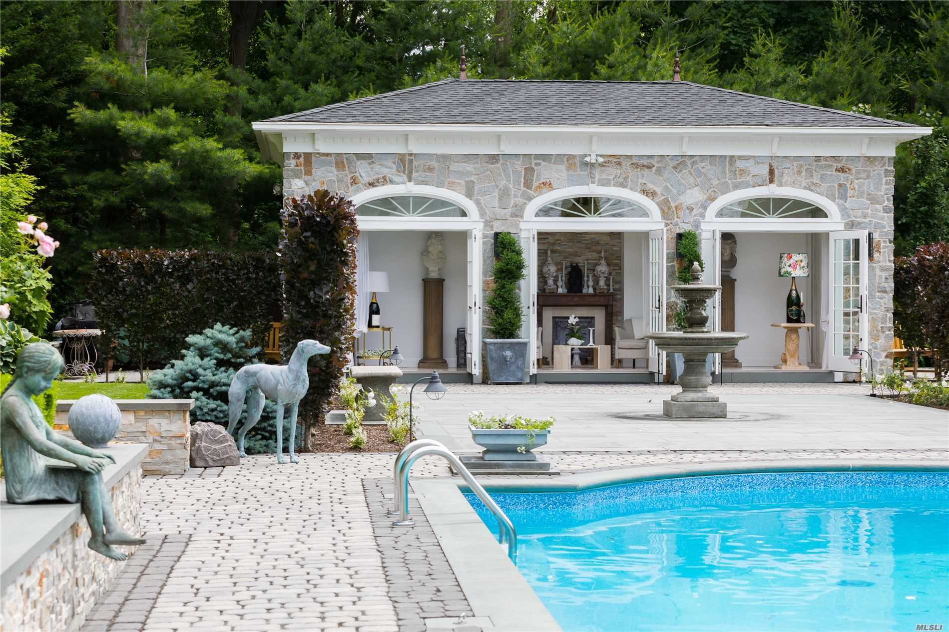 Residenziale in 862 & 866 Fort Salonga Road, Northport, NY ,11768