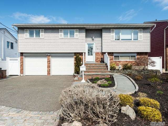 Residenziale in 15 Pleasantview Dr, Bayville, NY ,11709
