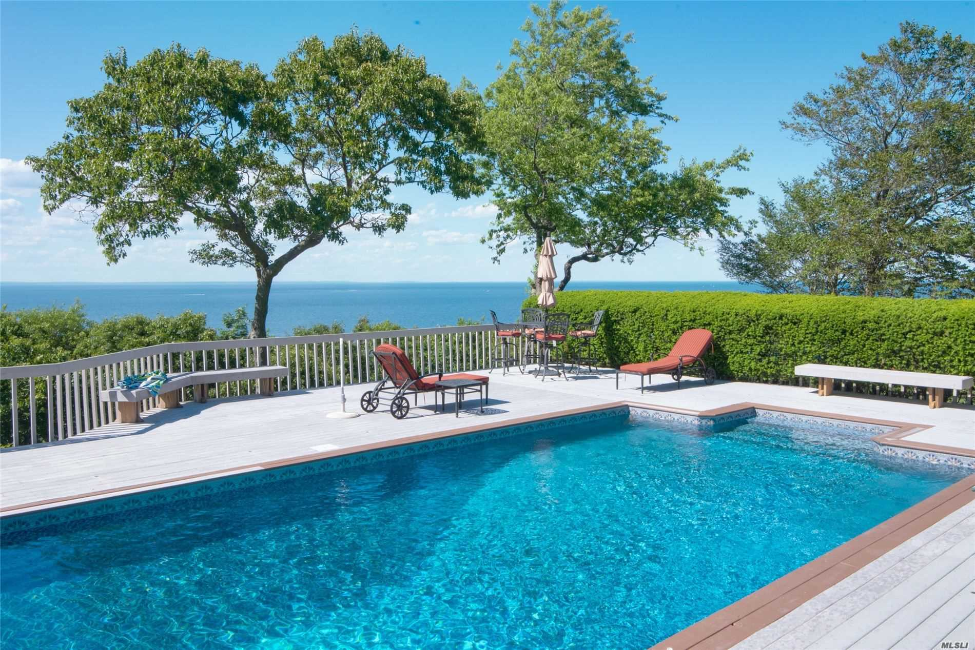 Residenziale in 10 Bluff View Court, Miller Place, NY ,11764