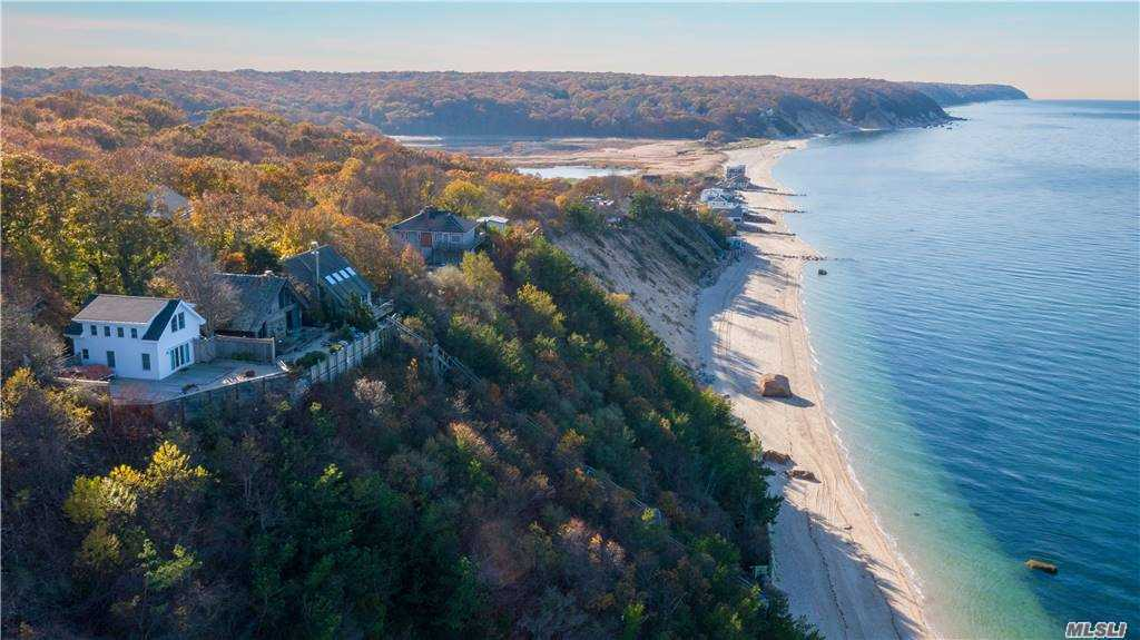 Residenziale in 64 Cliff Way, Baiting Hollow, NY ,11933