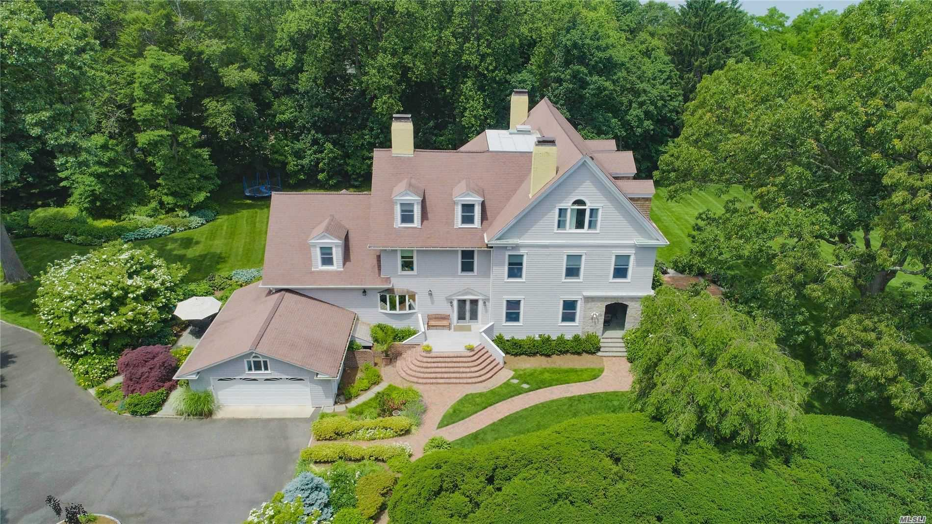 Residenziale in 1 Charlemagne Road, Huntington Bay, NY ,11743